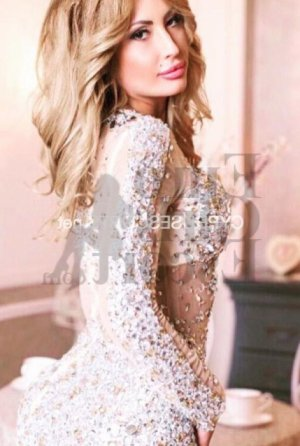 Elfi escorts in Gladstone