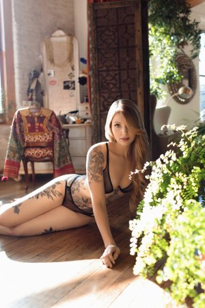 Adjoua incall escort in Middleburg Heights